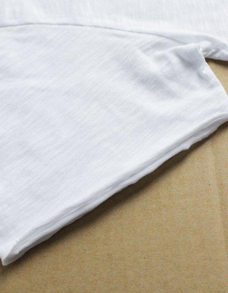 magliette personalizzata con orli a taglio vivo