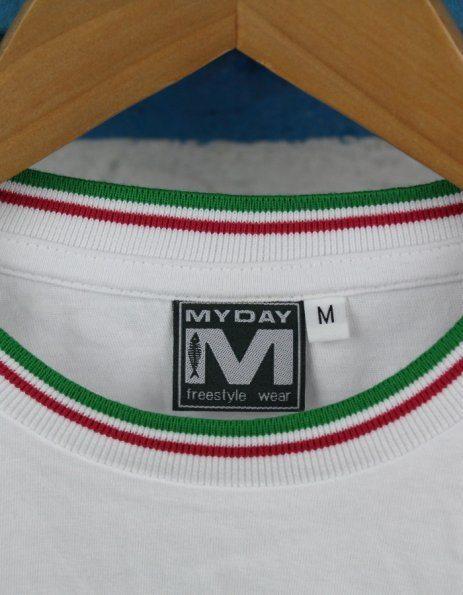 t-shirt personalizzata con bordino tricolore