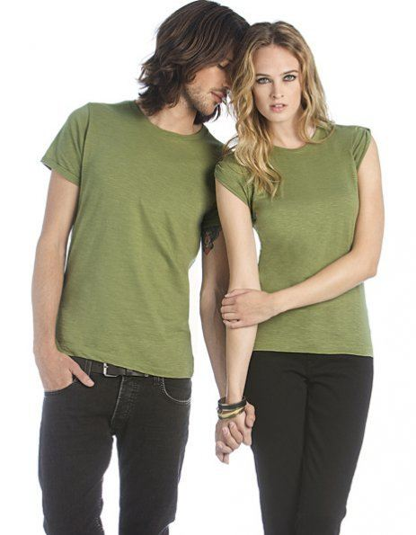 T-shirt vintage nei due modelli maschile e femminile