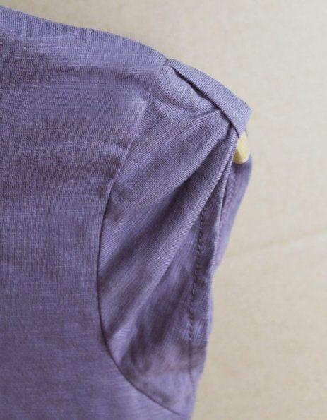 Dettaglio Manica t-shirt vintage viole