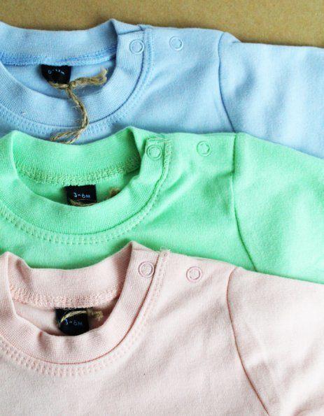 Tutti i colori delle magliettine baby